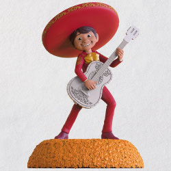 Disney/Pixar Coco The World es Mi Familia Musical Ornament