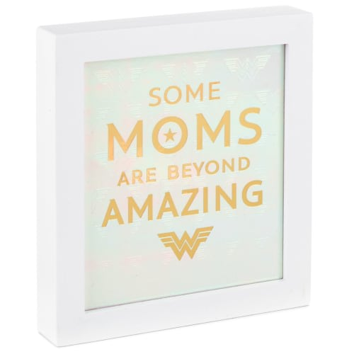 DC Comics™ Wonder Woman 1984™ Amazing Mom Wood Quote Sign