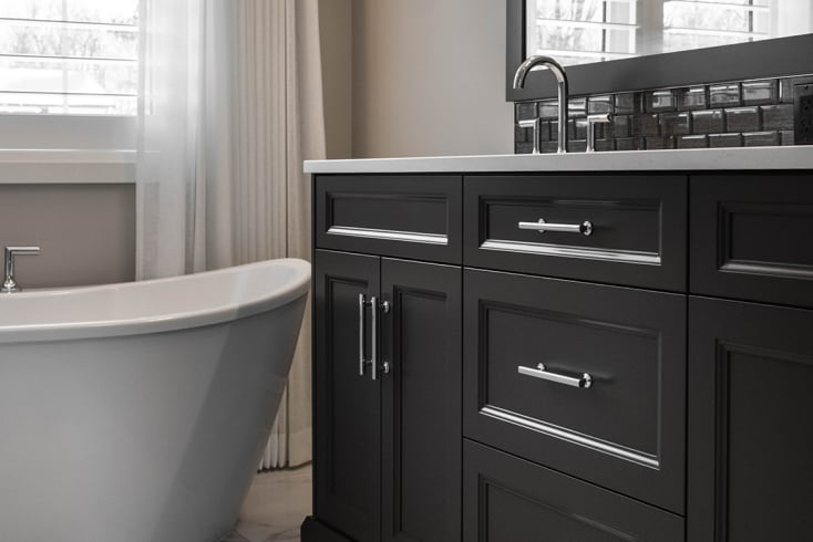 Colonial   Master Ensuite