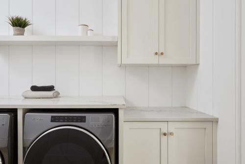 Bala | Upstairs Laundry