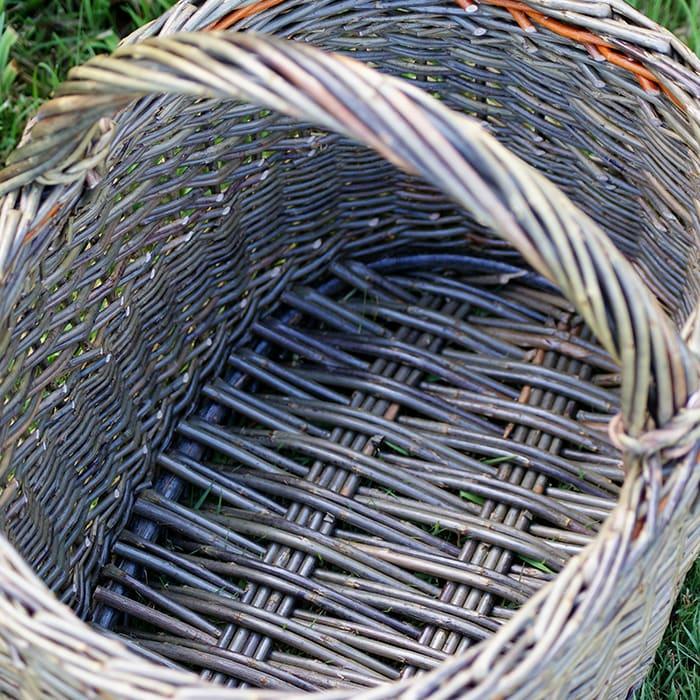 Oval basket on a Catalan base Workshop